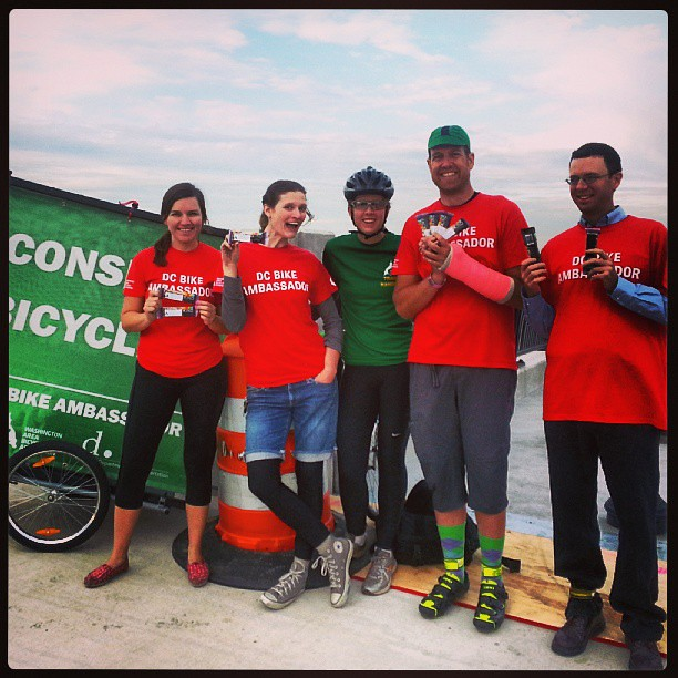 Meet the #bikeambassadors at the zenith! We are on the 11th St bridge until 9am handing out @kindsnacks! #bikedc