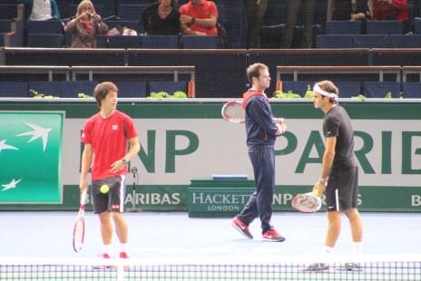 Kei Nishikori and Roger Federer