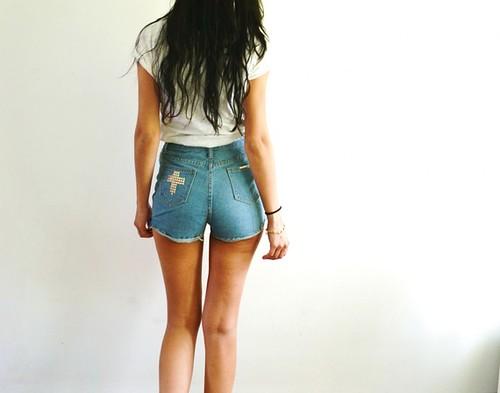 pantalons-short-jean-avec-croix-3490821-dsc-1831-11cdd_570x0