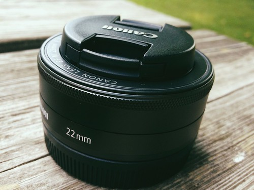 Canon EOS M: EF-M 22mm