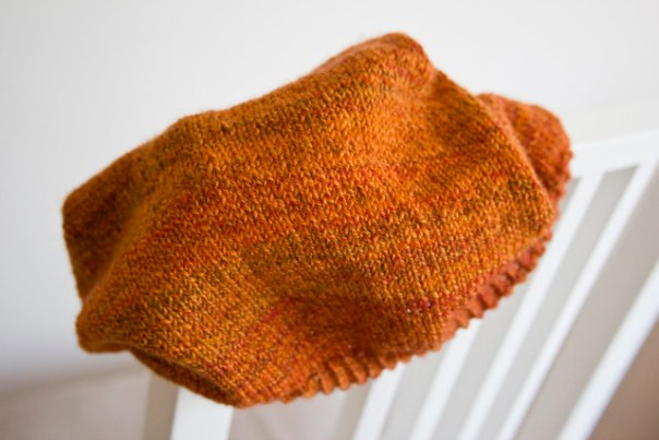 Handspun yarn highlighting the stitches