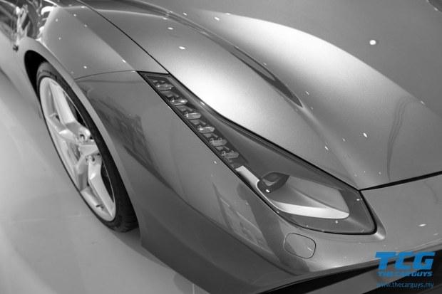 2015 Ferrari 488 GTB (7)