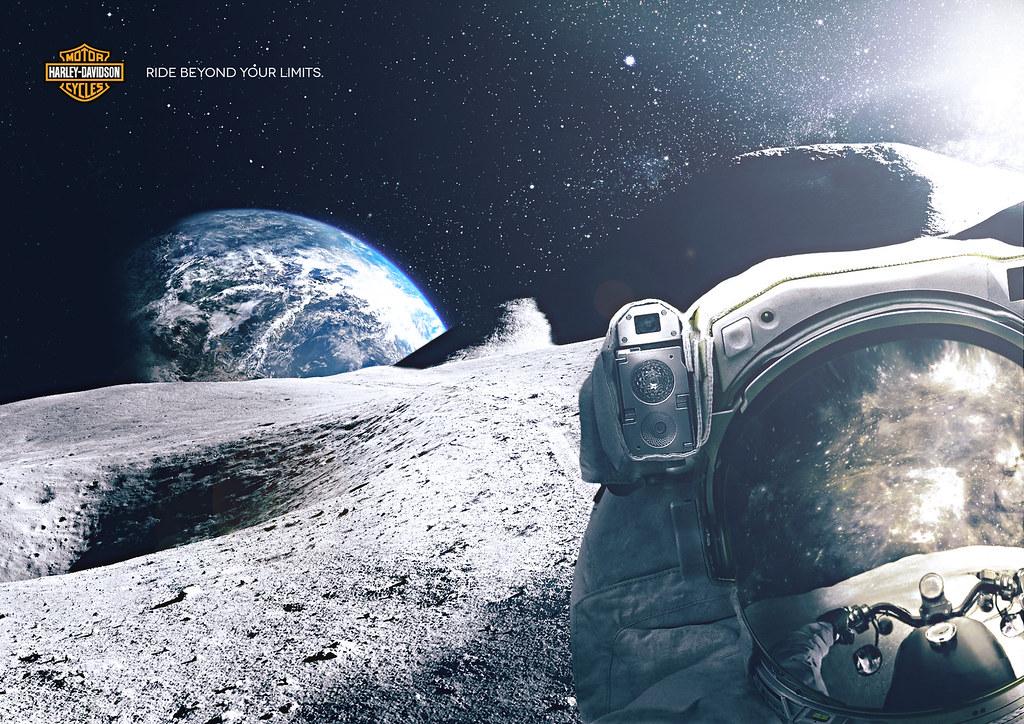 Harley-Davidson - Reflection Astronaut