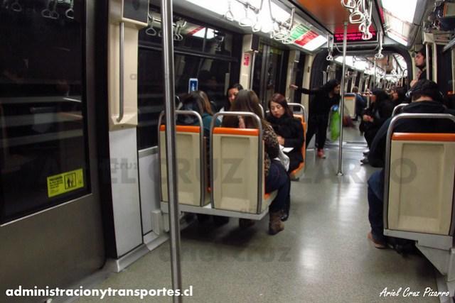 Metro de Santiago - Alstom NS93 N2069 - Bellavista de La Florida / Vicente Valdés (L5)