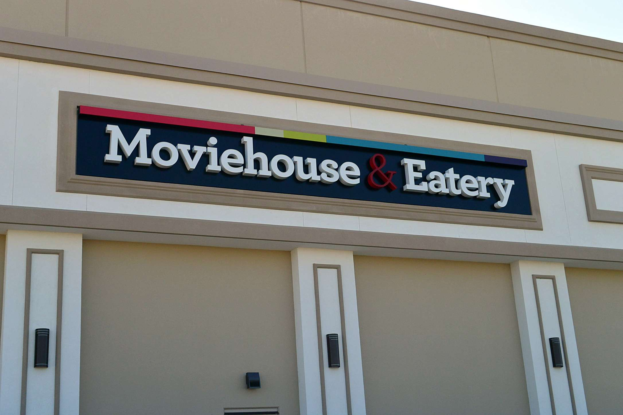 Lakeside Movie House Moviehouse And Eatery New Location In Flower Mound Tx Is