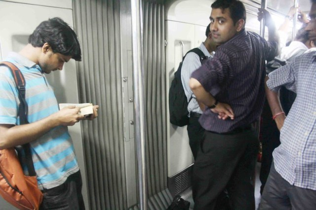 Metro Observed – Inside the Coaches-4, Delhi Subway