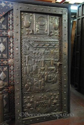 Moroccan_HandHammered_Doors