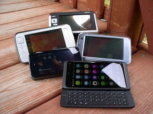 Maemo-MeeGo Family Photo