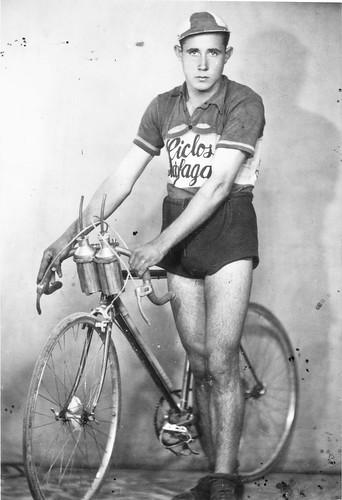 Jesus Sanz Urquit de ciclista.