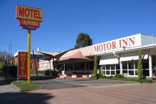 Hawthorn's Motel California in 2005