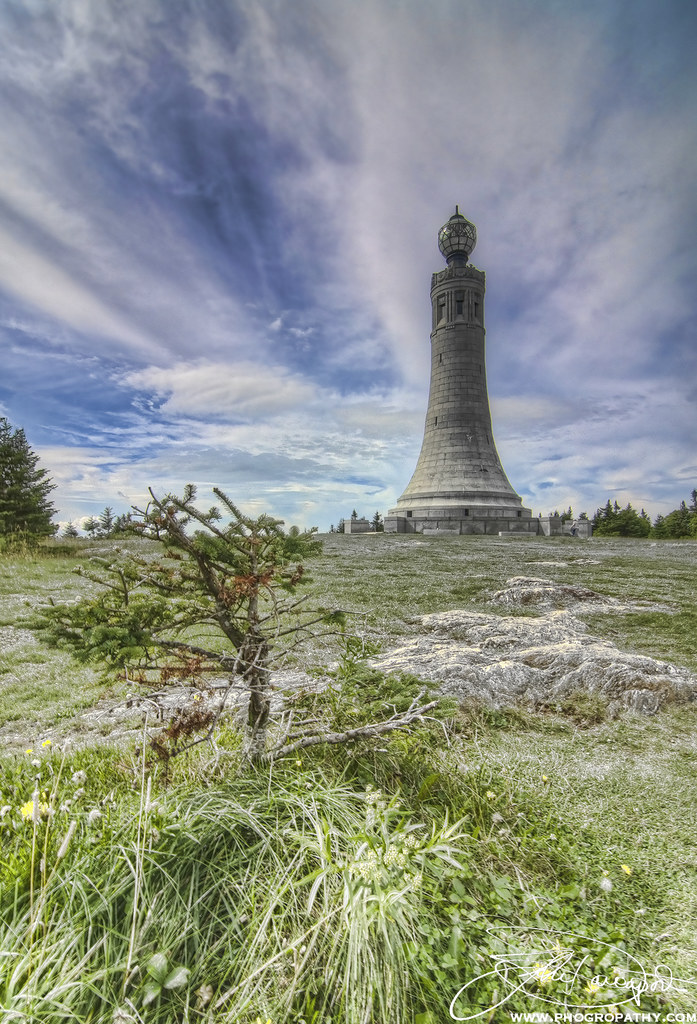 Live Falls Wallpaper Free Download Mt Greylock Summit And War Memorial Tower Phogro