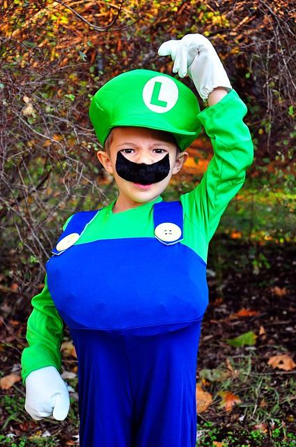 Mario & Luigi -- Halloween 2011