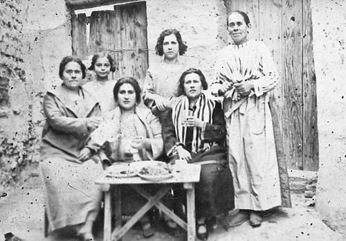 Madre, abuela y tias de Julian Uriel, la niña hija de la Argentinita.