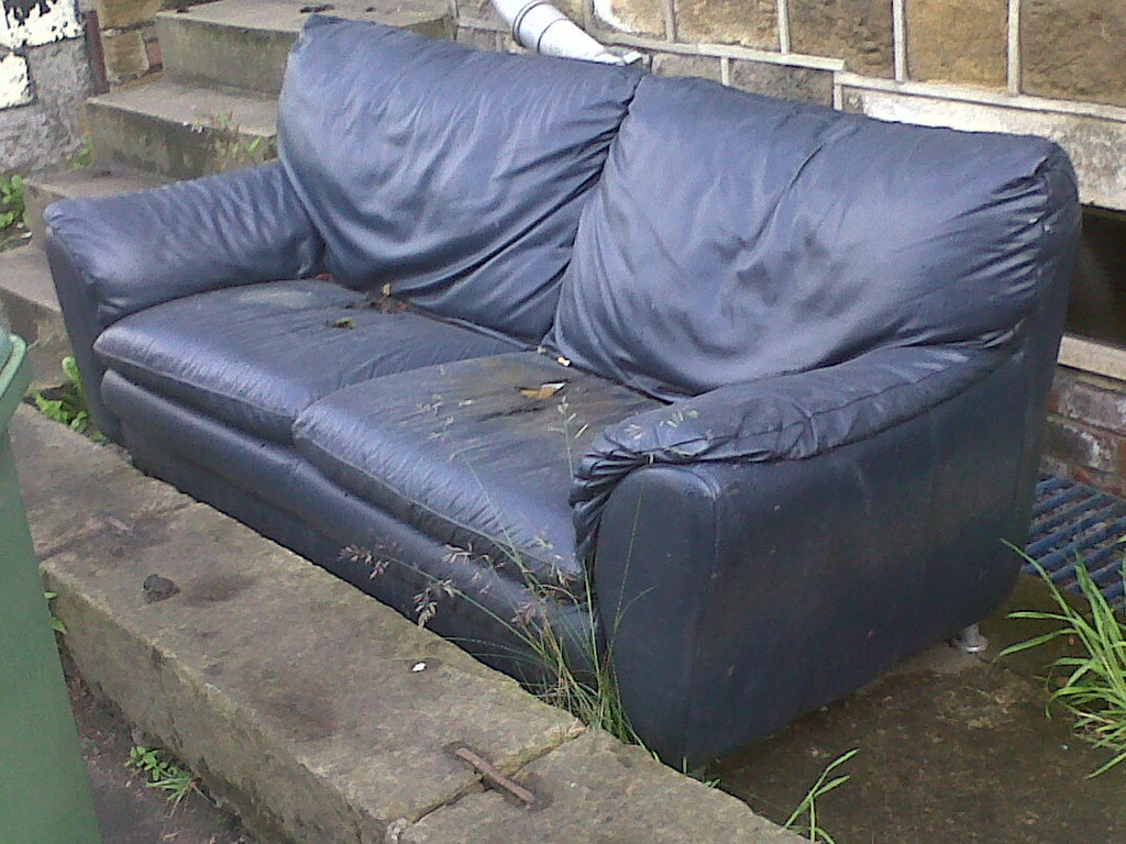 Settee Yorkshire The World S Best Photos Of Huddersfield And Leather Flickr Hive Mind