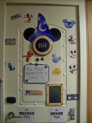 New fun idea for cabin door decoration
