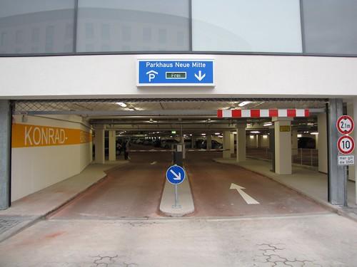 Parkhaus Neue Mitte mit ca. 320 Parkplätzen
