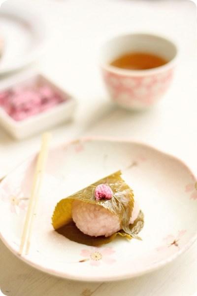 Sakuramochi 桜餅   Evan's Kitchen Ramblings