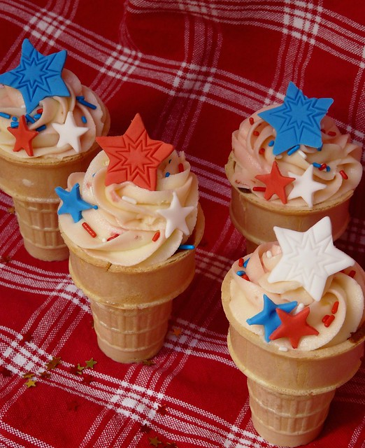 July 4th Cupcakes in a Cone!