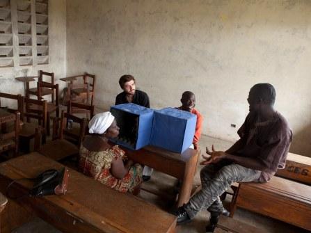 20110807_liberia_church_460.jpg