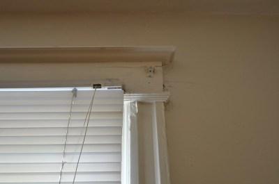 Upper window casing