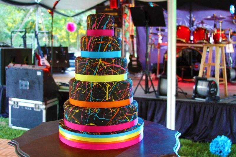 Neon 1980s cake!