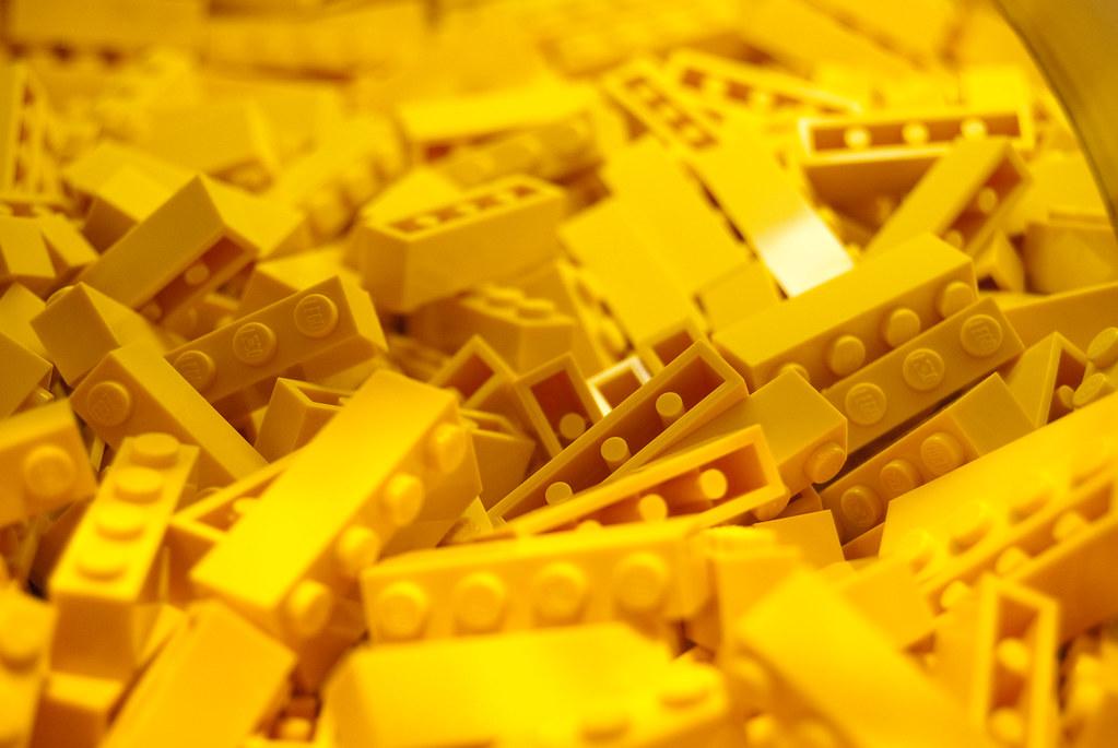 Free 3d Pile Of Bricks Wallpaper Yellow Lego Bricks Lego Shop Near Kadewe In Berlin M