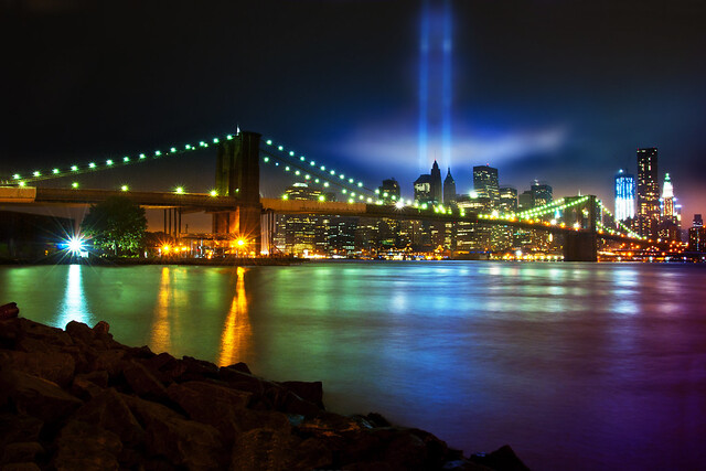 Tribute in Light por Moniza*