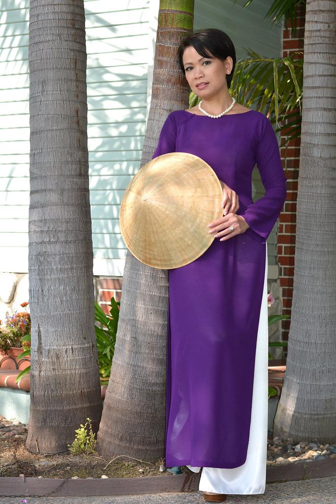 ao dai tim hue vietnamese traditional dress