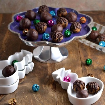 cookie dough truffles, vegan, chia seeds, guten-free, cacao nibs