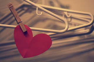 content_flickr_clothes-hanger_heart