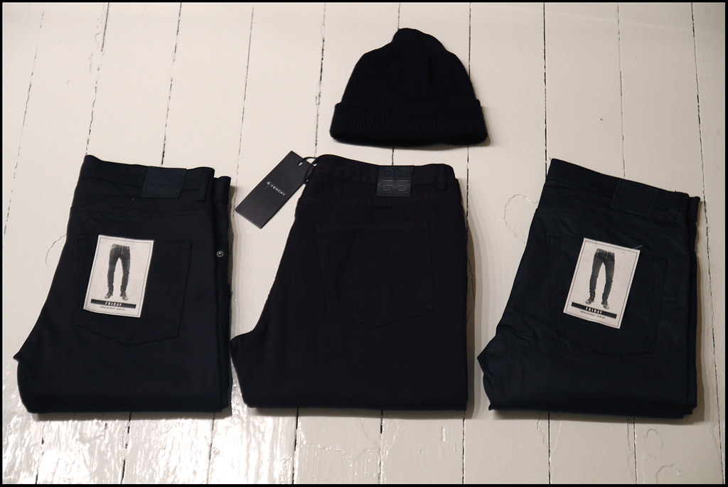 Tuukka13 - Black Christmas Presents - 2 X Weekday Jeans, Givenchy Jeans and a Army Beanie - 1