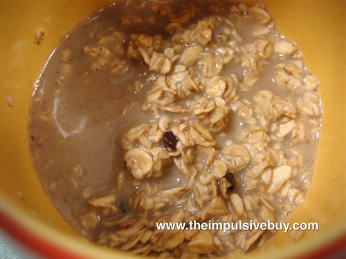 Quaker Chocolate Chip Instant Oatmeal Closeup