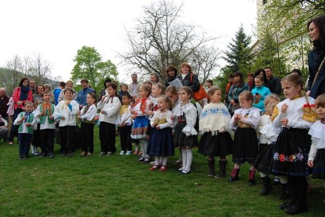Slovak Singing children