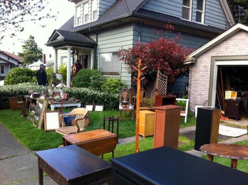 Antiquey yard sale