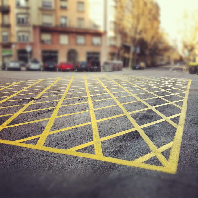 yellow lines