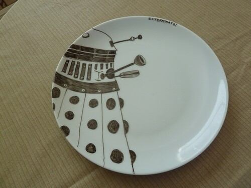 diy dalek plate art
