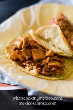 Guisado tacos