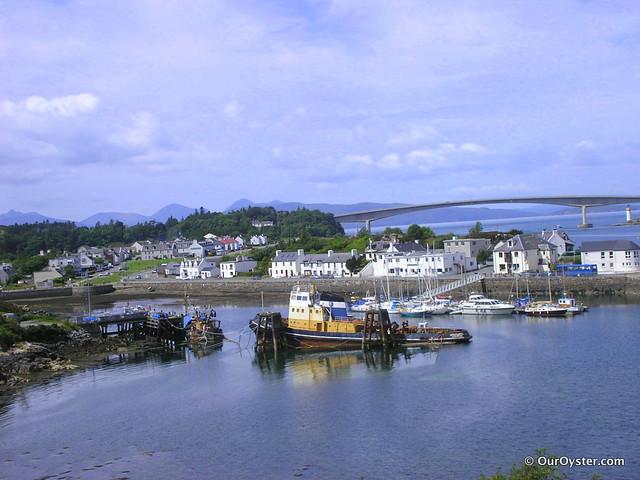 The bridge links Skye to the mainland