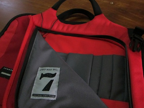 Crumpler Dry Red