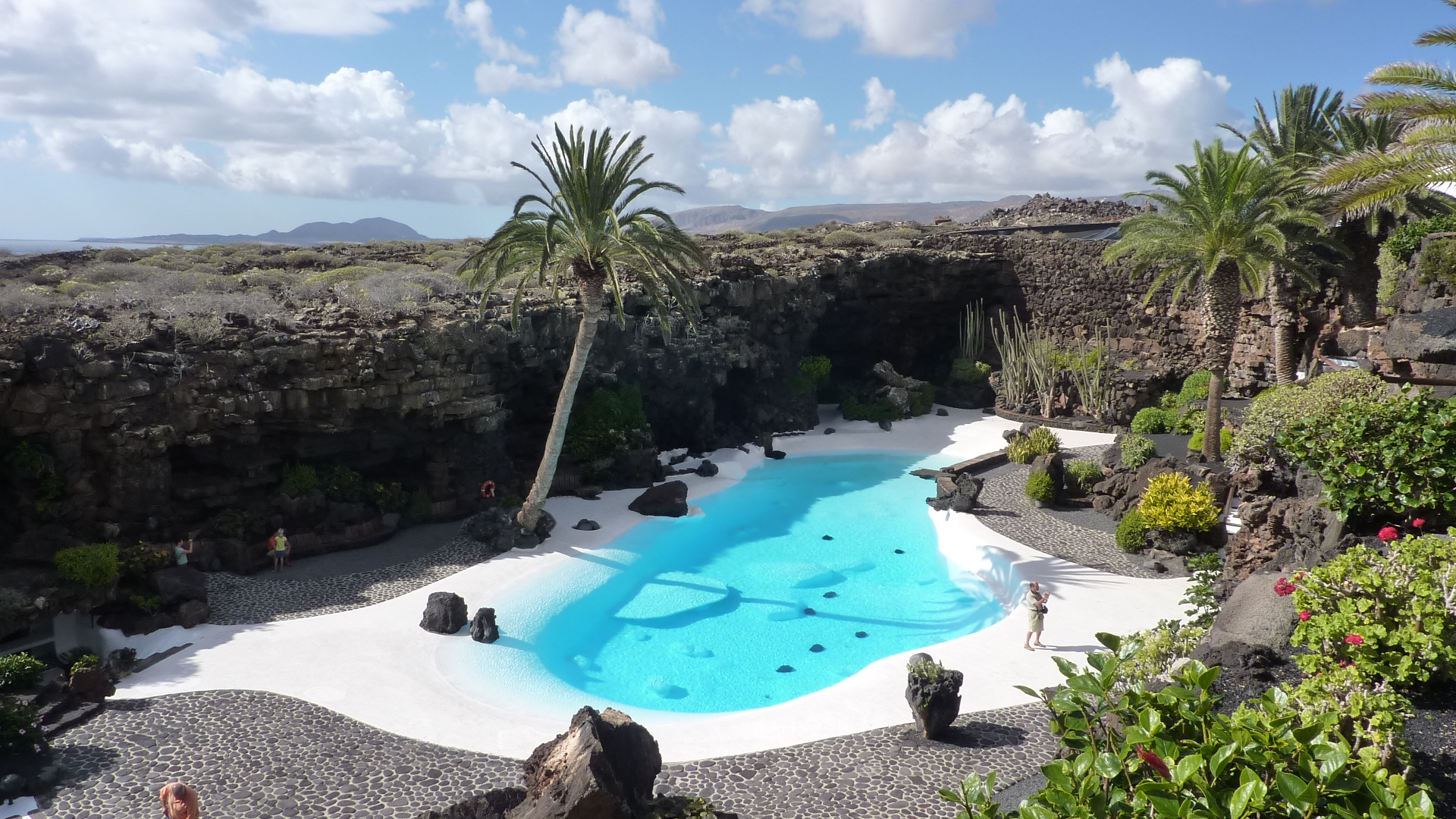 Piscina Lanzarote La Piscina De Los Jameos Del Agua Flickr Photo Sharing
