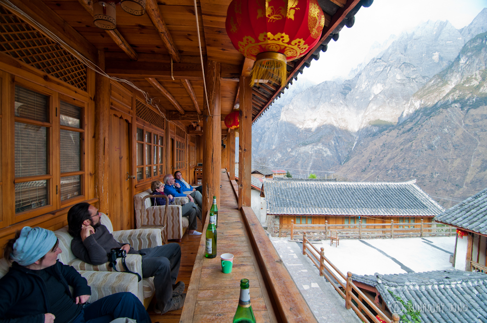 Drinking Beer with a view of Tiger Leaping Gorge