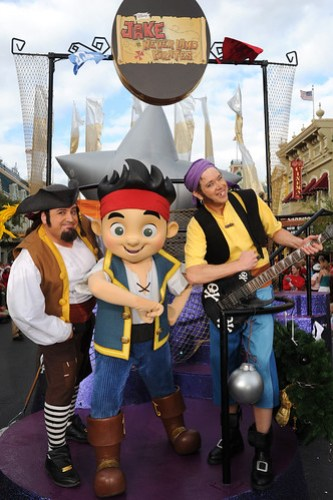 THE NEVER LAND PIRATE BAND STARS IN DISNEY PARKS CHRISTMAS DAY PARADE TV SPECIAL