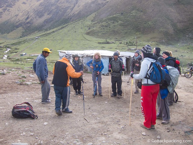 Daniel, our guide, briefs the group before we begin trekking on Day 2