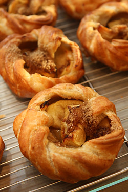Poilâne apple tarts