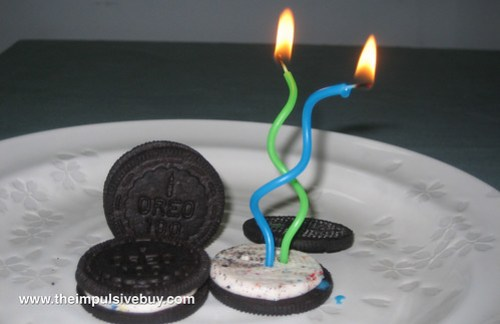 Nabisco Limited Edition Birthday Cake Oreo Closeup