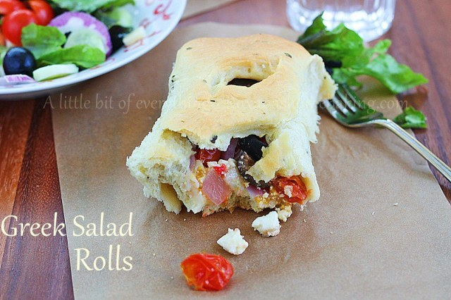 Greek Salad Rolls | roxanashomebaking.com/