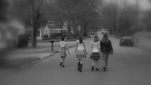 4 girls 2
