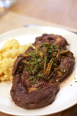 steak with wild mushrooms