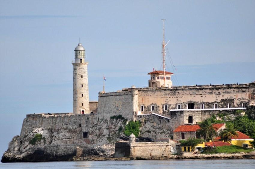 El Castillo del Morro es junto al Capitolio y la Giraldilla uno de los símbolos de La Habana