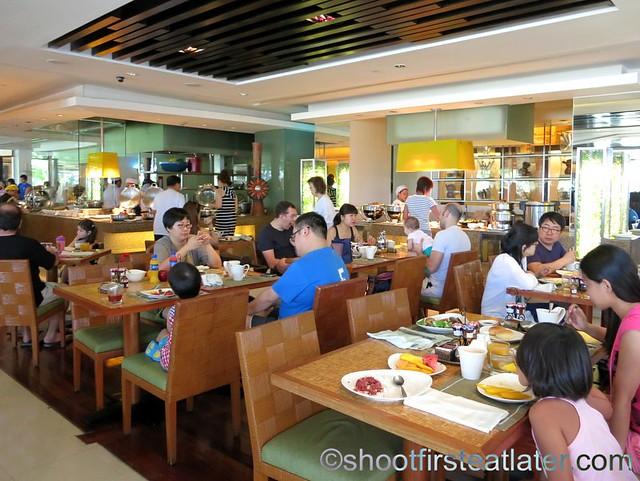 Shangri-La Mactan breakfast buffet at Tides-002